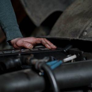 Jak wygląda przygotowanie samochodowych części używanych do sprzedaży?
